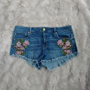 American Eagle Floral Embroidered Shorts